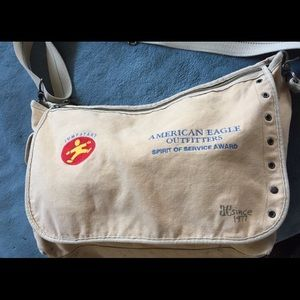American Eagle Outfitters Bags - American Eagle outfitters messenger bag